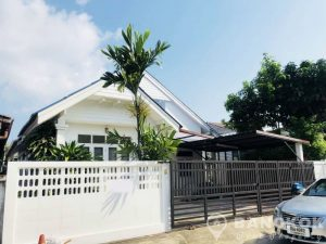 Detached Renovated Single Storey 2 Bed Sammakorn House photo