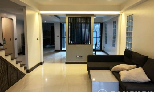 Detached Modern Thonglor House 4 Bed 4 Bath with Private Pool to rent