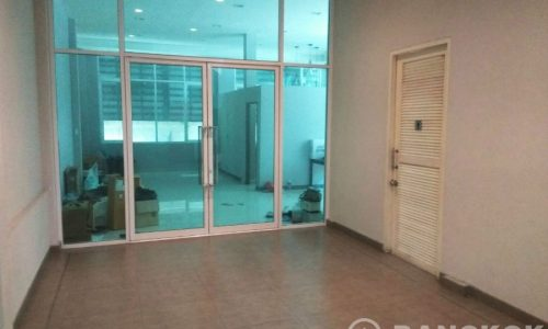 Modern Thonglor Office and Retail Space to Rent near BTS