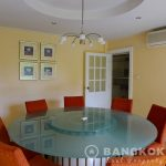 Panya Village Pattanakarn Detached Spacious 5+1 Bed 5 Bath House to Rent