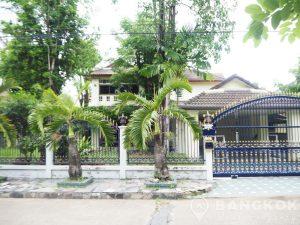 Sammakorn Village | Large Detached 4 + 1 Bed 4 Bath with Garden photo