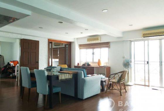 Sammakorn Condominium Renovated High Floor 1+1 Bed 1 Bath for Sale