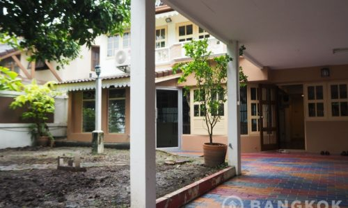 Sammakorn Village Detached 3 Bed 3 Bath House with Garden to Rent