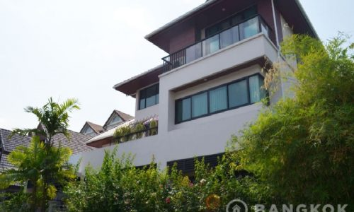Contemporary Detached 4 Bed 4 Bath Phrom Phong House to Rent
