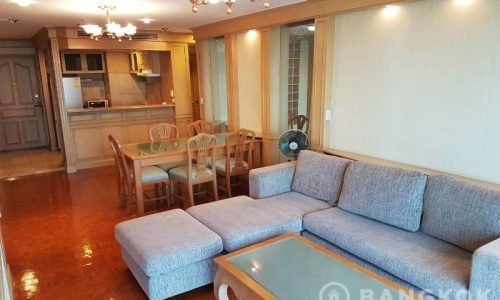 Sukhumvit Suite Very Spacious High Floor 1 Bed near BTS to Rent
