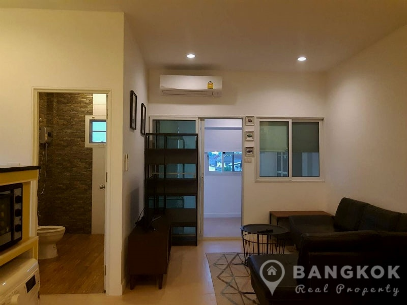 Sammakorn Apartment Spacious 1 Bed plus Study 2 Bath in Sammakorn Village to Rent