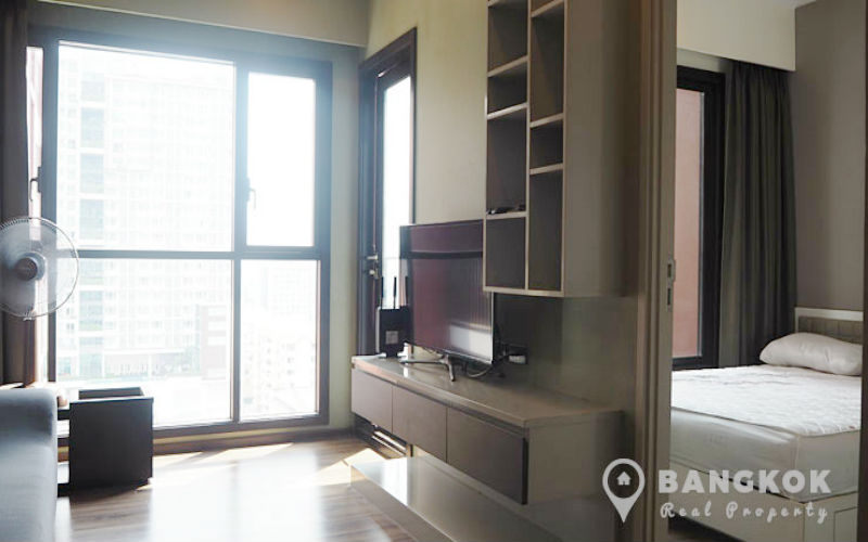 Wyne Sukhumvit Spacious Modern 1 Bed 1 Bath Condo Investment for Sale