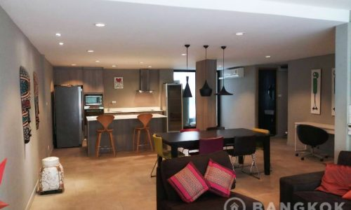 Renovated Spacious 3 Bed Phra Khanong Townhouse for Sale