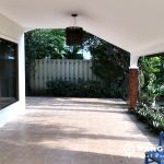 Detached Spacious 3 Bed 3 Bath 1 Maid Thonglor House 360 sq.m with garden to rent