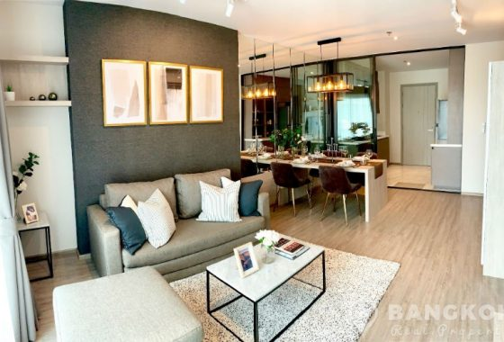Rhythm Ekkamai Brand New Spacious 2 Bed 2 Bath condo near BTS to Rent