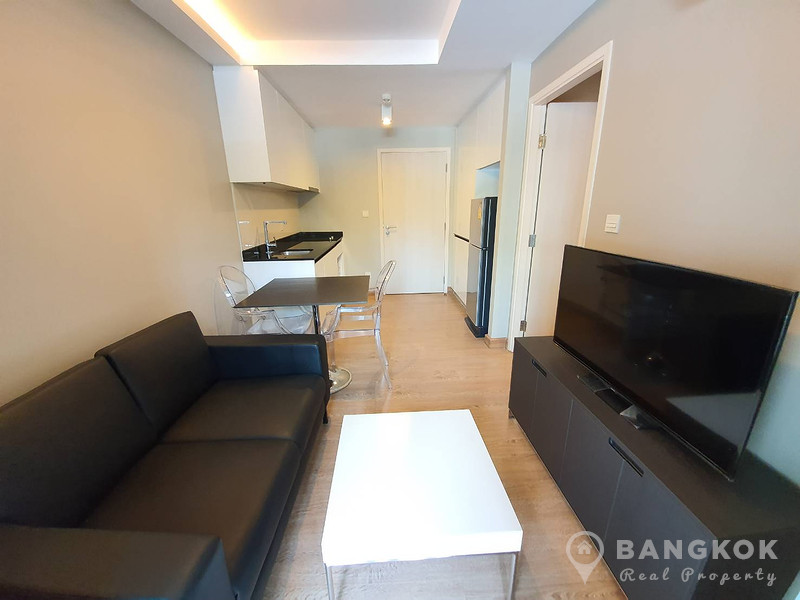 RENT Maestro 39 Modern 1 Bed 1 Bath Condo near EM District & Phrom Phong BTS