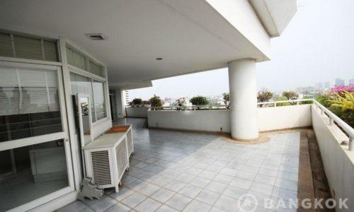 For SALE La Cascade Ekkamai high Floor 4 Bed 4 bath with large Terrace