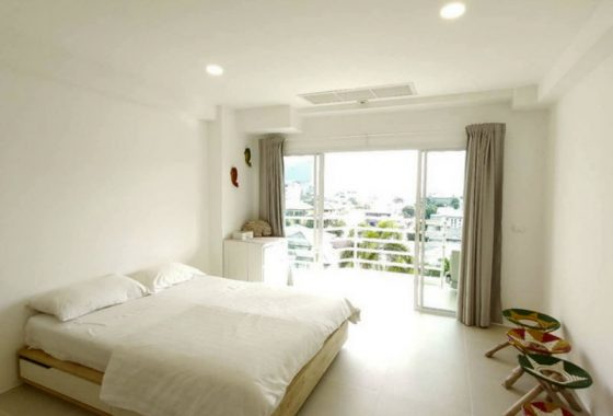 RENT City Living Ratchada condo Bright Pool View Studio near Huay Khwang MRT