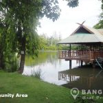 RENT Sammakorn Village Ramkhamhaeng Detached 2+1 bed 2 bath House with Garden