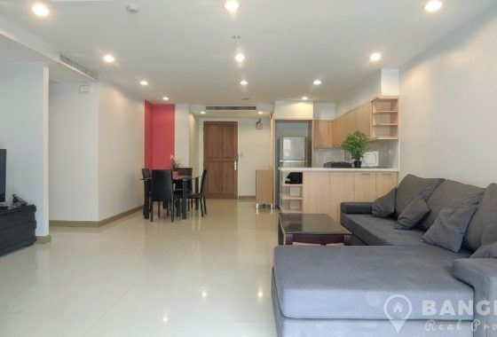 RENT The Rise Sukhumvit 39 in Phrom Phong Spacious High Floor 2 Bed 2 Bath near Emquartier