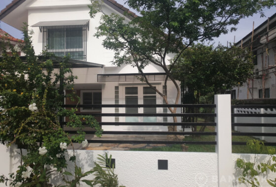 RENT Sammakorn Village หมู่บ้านสัมมากร Ramkhamhaeng New Renovated 2 bed 1 study house